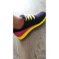 Кроссовки для Оли